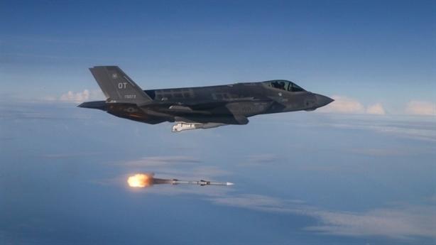 X-37B tiếp sức không tưởng cho F-35