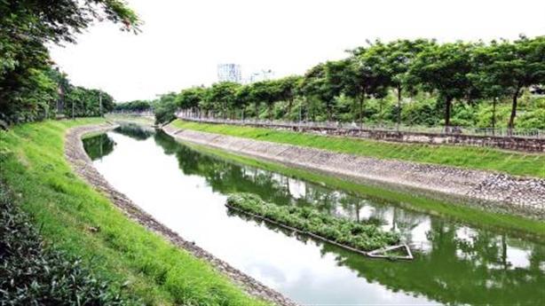 Hà Nội lấy nước sông Hồng làm sạch sông Tô Lịch