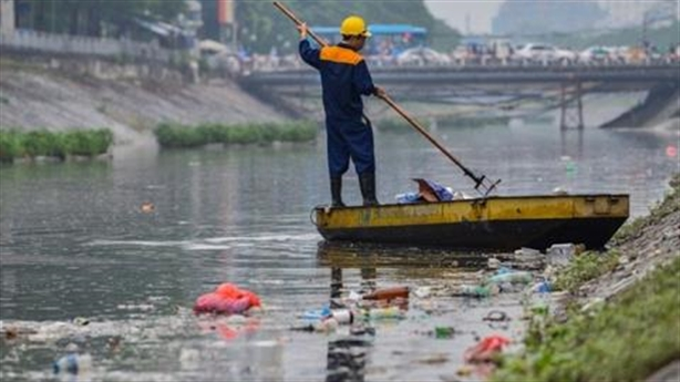 Nước sông Hồng làm sạch sông Tô Lịch: Ô nhiễm chạy vòng?