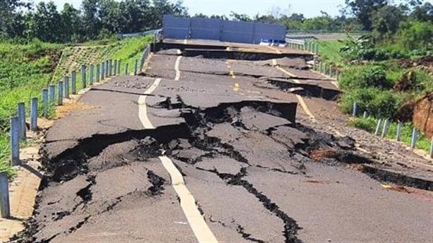 Đường 250 tỷ gãy như động đất: Xét trách nhiệm thế nào?