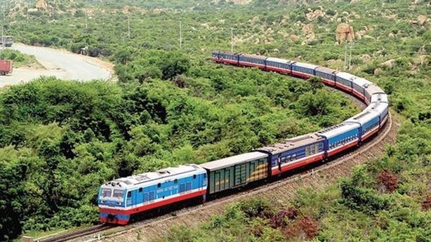 Tuyến đường sắt 100.000 tỷ đồng: Bà Phạm Chi Lan hỏi thẳng