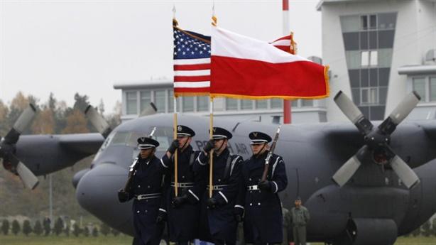 Mỹ tăng gấp 10 lần quân số áp sát Nga