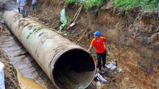 Đường ông nước sạch sông Đà lại gặp sự cố