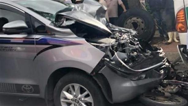 Thiếu tá gây tai nạn, lên xe khác đi bị chặn lại