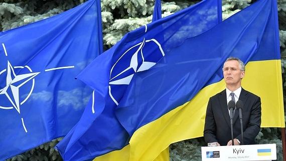NATO xua đuổi Ukraine vì Mỹ sợ Nga?