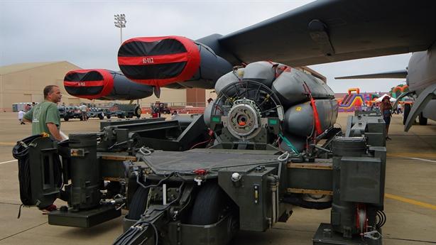 Mỹ thay ALCM bằng tên lửa mang đầu hạt nhân cho B-52H