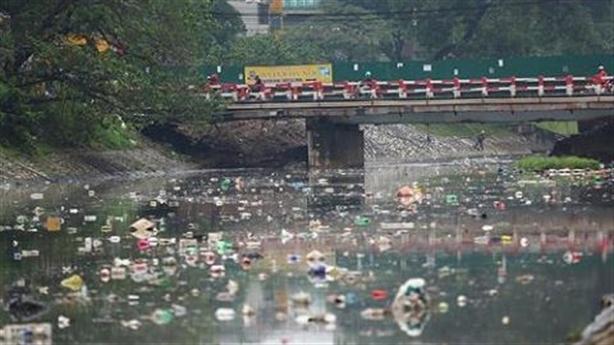 Làm cống gom nước thải ra sông Tô Lịch: Chưa đủ!