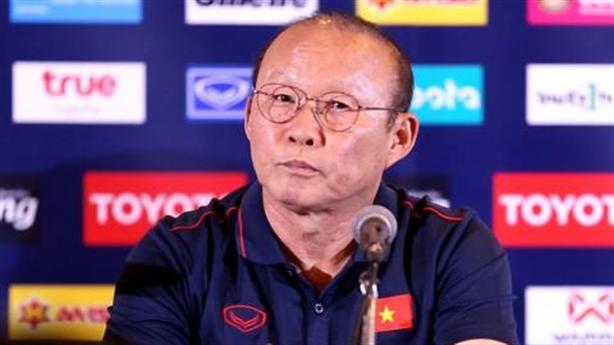 Ông Park nói về bữa tiệc với Indonesia và chuyện đau mắt