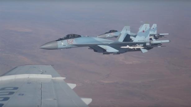 Tiết lộ mới về máy bay bị Su-35 xua đuổi