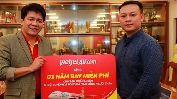 Vietjet miễn phí 1 năm bay cho đội bóng SEA Games