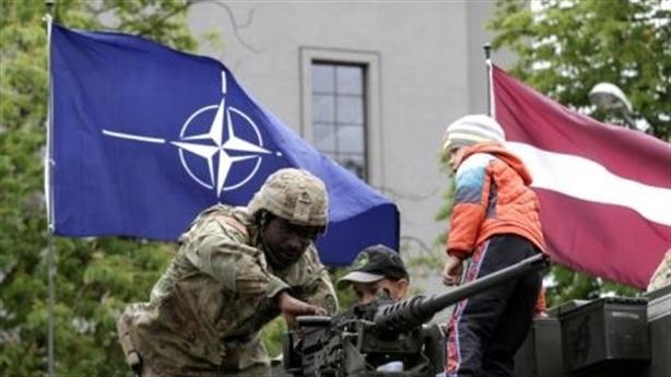 """Nga không tin NATO """"mạnh vô song"""""""