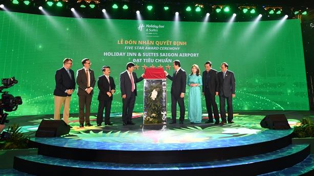 Khách sạn Holiday Inn® And Suites tại Việt Nam đạt 5 sao