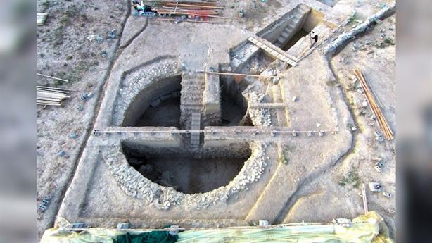 Có gì trong cổ mộ Hy Lạp dát vàng vừa tìm thấy?