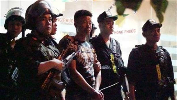 Giám đốc CA Đồng Nai cùng trăm quân giải cứu bệnh viện