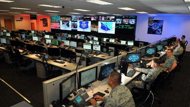 Mỹ mở chiến tranh thông tin chống quan chức Nga