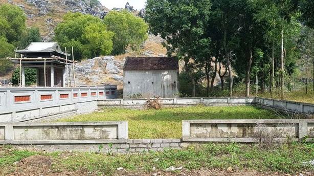 Tố Chủ tịch xã chiếm đất làm khu lăng mộ: Sự thật
