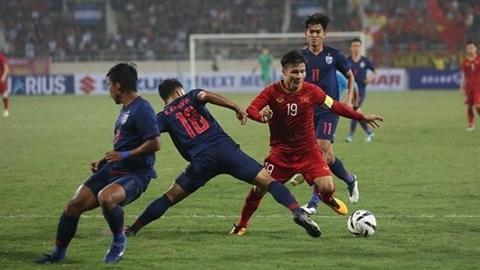 Cầu thủ Việt Nam chơi quyết tâm vì ít tiền?
