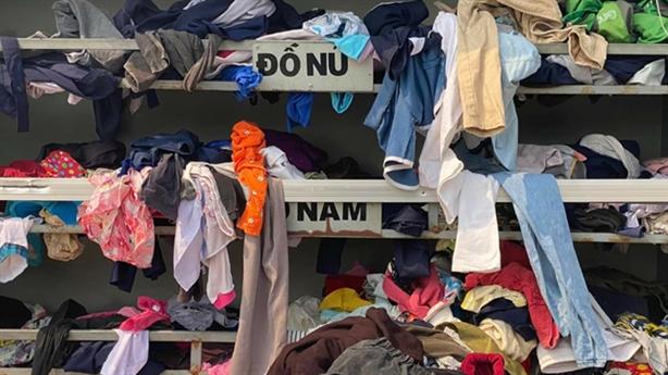 Tâm sự thật chủ nhân tủ quần áo từ thiện bị...lục tung