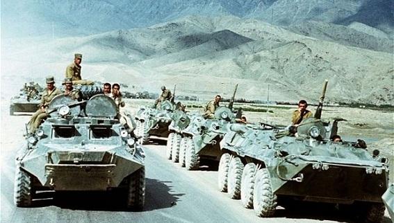 Vì sao Liên Xô nộp đơn vào...NATO?