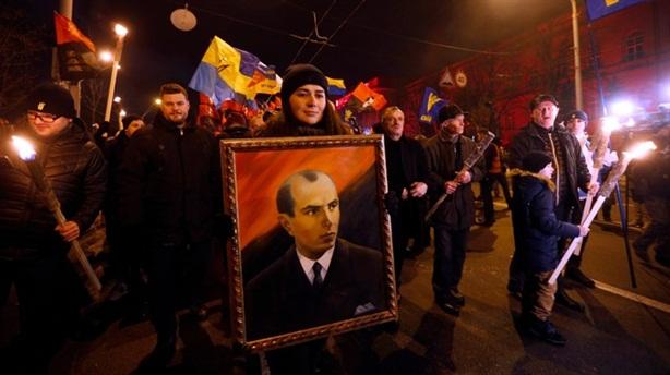 Ukraine rước đuốc lãnh đạo từng ủng hộ Phát-xít Đức