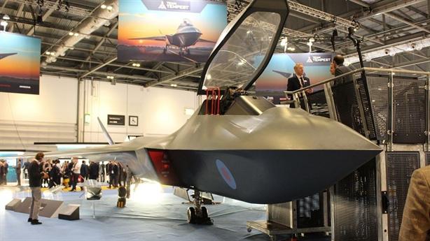Tiêm kích Anh khiến F-35 lạc hậu