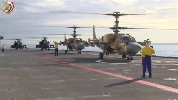Hình ảnh hiểm Apache huấn luyện cùng Ka-52K