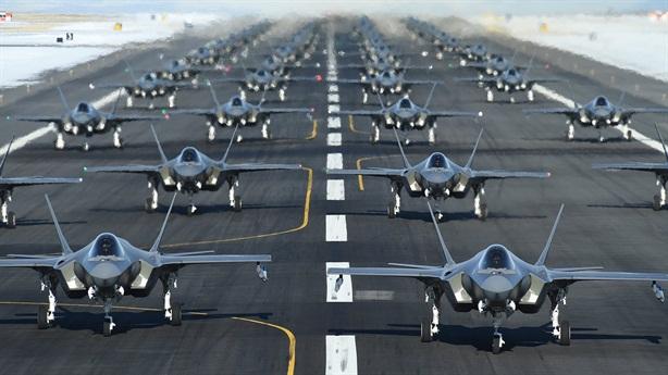 50 chiếc F-35 cùng cất cánh: Thông điệp nóng của Mỹ