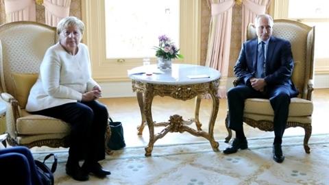 Thủ tướng Merkel thăm Nga, bàn chuyện Ukraine