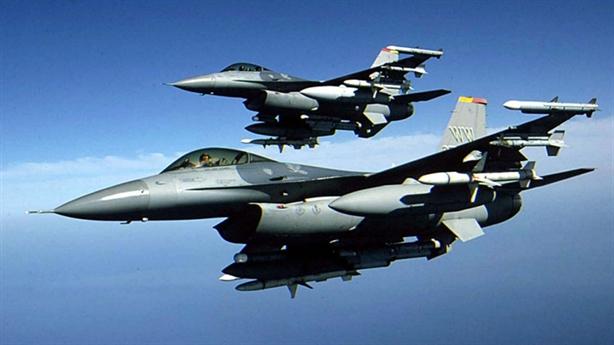 Trang bị đỉnh cao giúp F-16 đánh bại Su-35