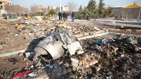 Tin mới máy bay Ukraine rơi: Vẫn nghi tên lửa Iran?