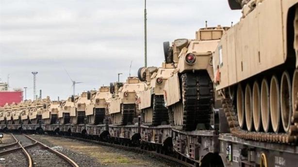 Hàng trăm xe tăng Mỹ chuẩn bị được chuyển sang Đức