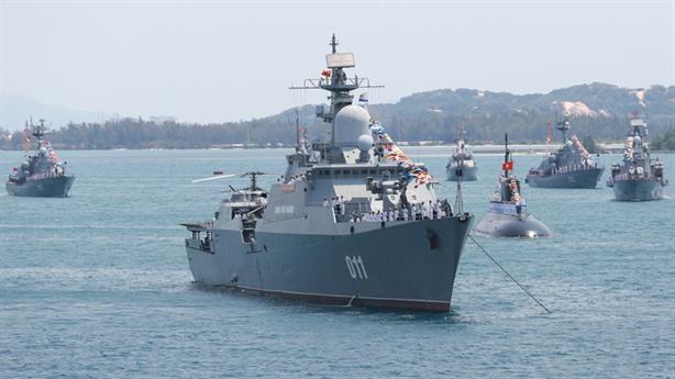 Tàu ngầm, máy bay Hải quân Việt Nam phát huy tác dụng