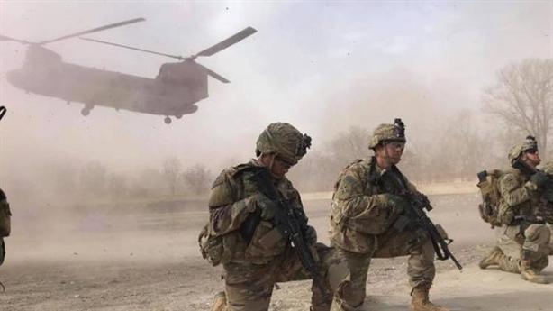 Mỹ chuyển gấp Chinook khi Afghanistan dùng lại Mi-17