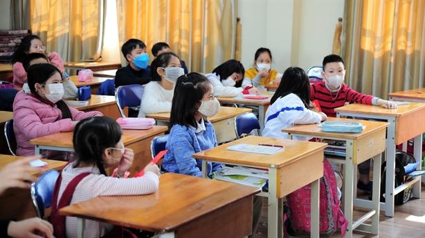 Trường không nhận trẻ ho, sốt: Cha mẹ lo nghỉ làm