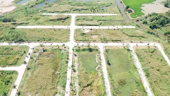 Truy tìm đối tượng vụ lừa bán đất nền 4 dự án