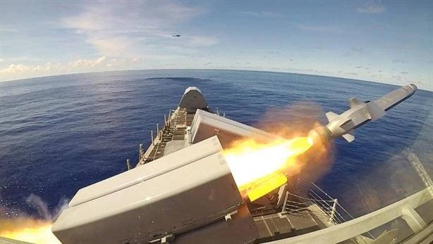 Tàu Mỹ tung đòn ngoài đường chân trời bằng tên lửa NSM