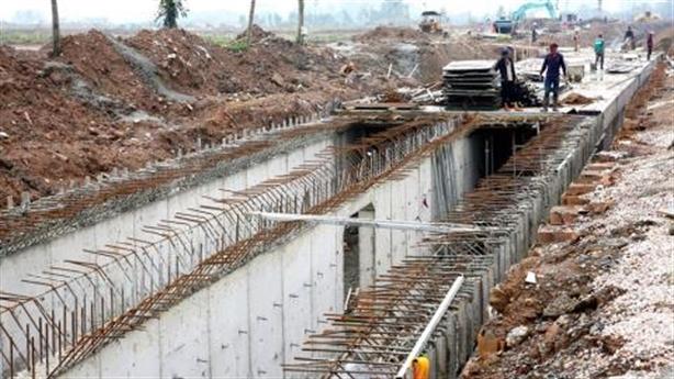 Làm cống gom nước thải sông Tô Lịch và điều nghịch dị
