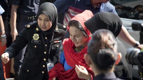 Cáo buộc phu nhân cựu Thủ tướng Malaysia tác động chính sách