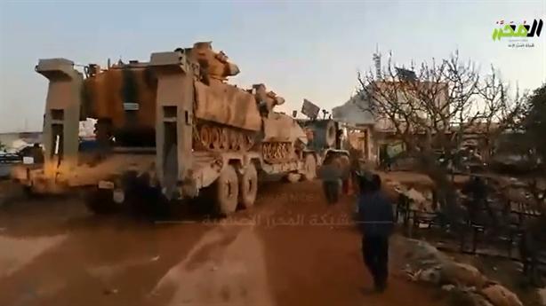 Thổ đổ thêm vũ khí vào Idlib khi đàm phán với Nga