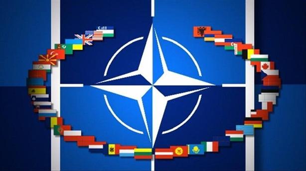 Niềm tin dân Âu Mỹ vào NATO giảm mạnh