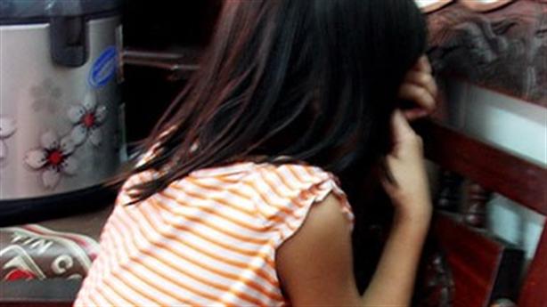 Nhân viên khách sạn tiếp cận nhiều bé gái để dâm ô