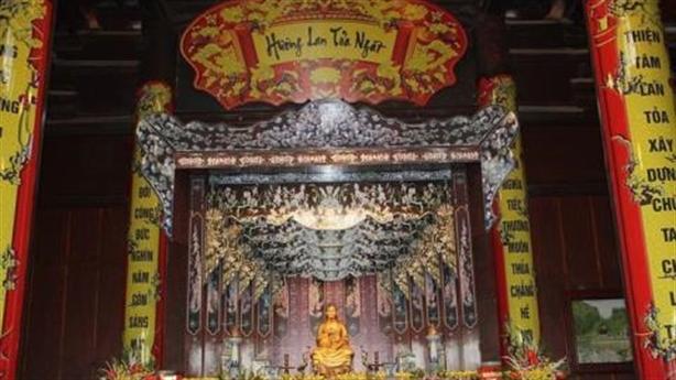 Xây đền thờ vợ trong chùa Tam Chúc: Quyền của doanh nghiệp...
