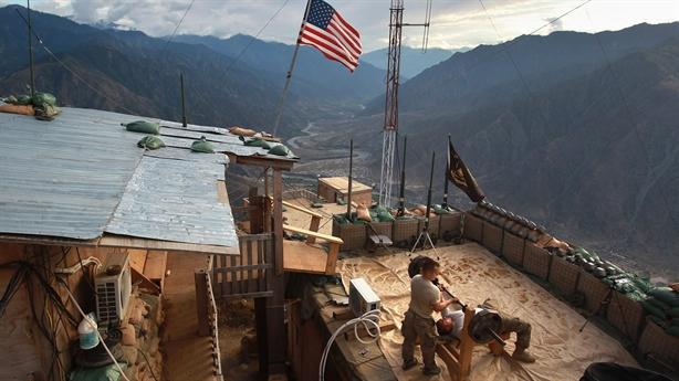 Mỹ nhất trí với Taliban giảm bạo lực: Thế ngang hàng?