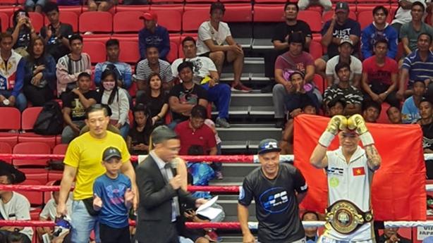 Trương Đình Hoàng thắng oanh liệt võ sĩ Thái: 'Tôi hạnh phúc'