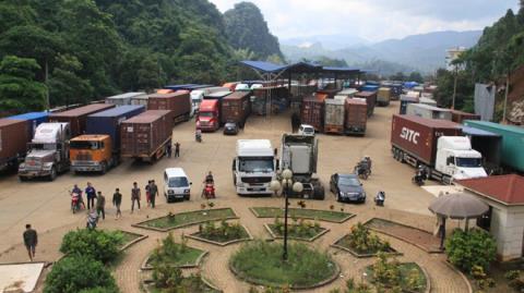 Việt-Trung khôi phục từng phần thương mại biên giới