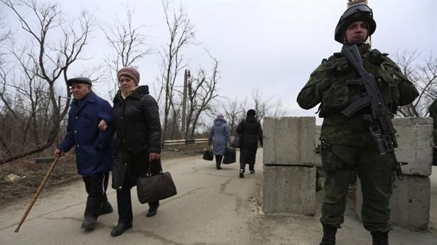 Donbass phản pháo Tổng thống Zelensky: Hòa bình không thành là do Kiev