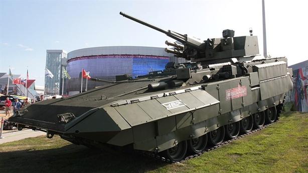 Đòn đánh xuyên tăng của T-15 Armata