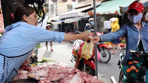 Bộ Công thương: Giá thịt lợn cao do thiếu cam kết