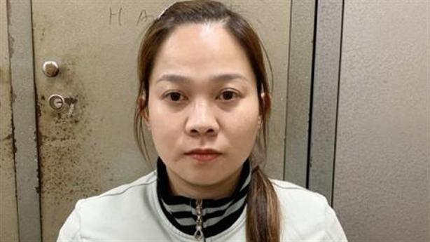 Nhân viên massage xinh đẹp trộm tiền 'bung lụa' bên người yêu