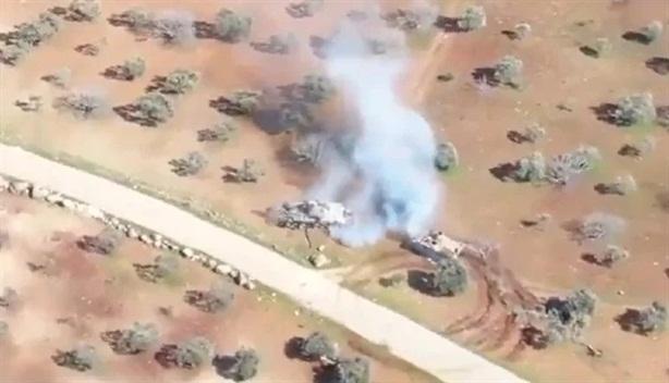 Video phiến quân lái ACV-15 đâm thẳng T-72 ở Idlib